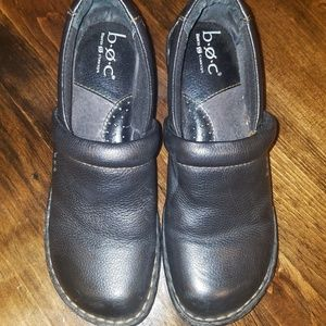 BORN BOC black leather clogs Size 8